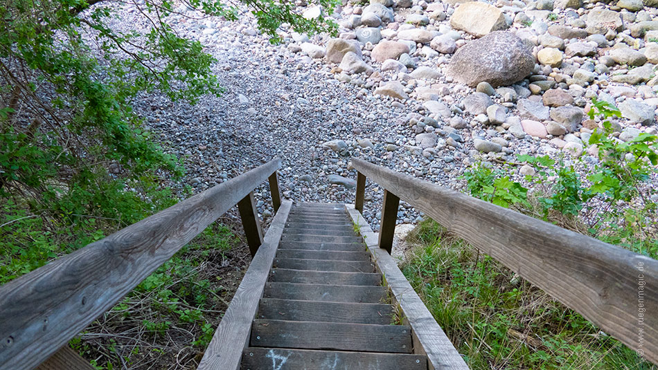 Treppe zum Steinstrand Lohme