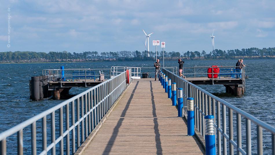 Anleger am Brückenkopf der Seebrücke Dranske