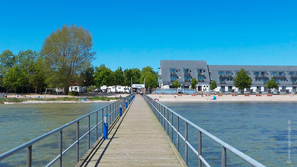 Blick auf den Strand an der Dransker Seebrücke