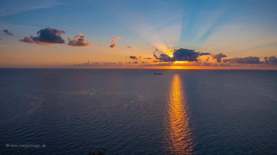 Sonnenaufgang vom Königsstuhl aus gesehen