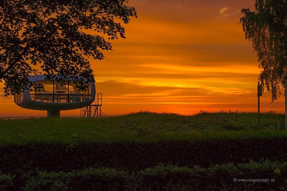 Sonnenaufgang am Rettungsturm