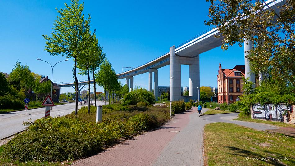 Südliche Auffahrt zur Rügenbrücke
