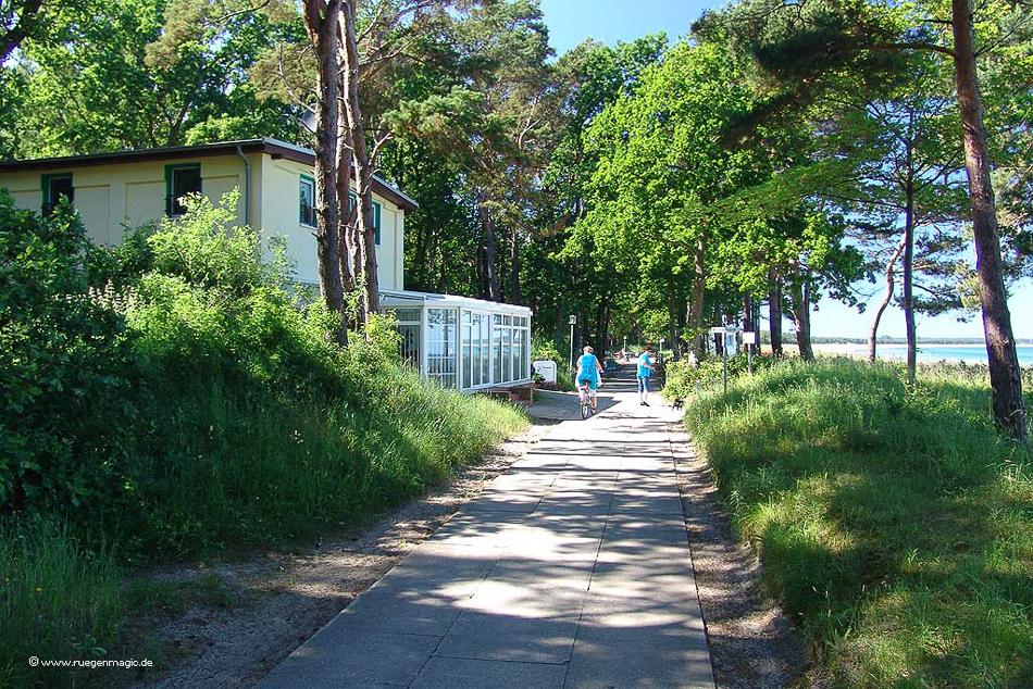 Strandpromenade im Ostseebad Thiessow