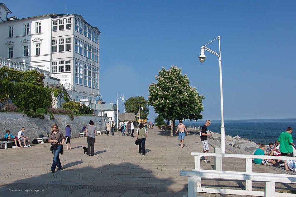 Uferpomenade in der Hafen Sassnitz