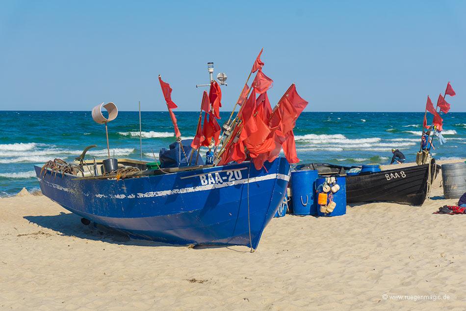 Fischerboote am Baaber Ostseestrand