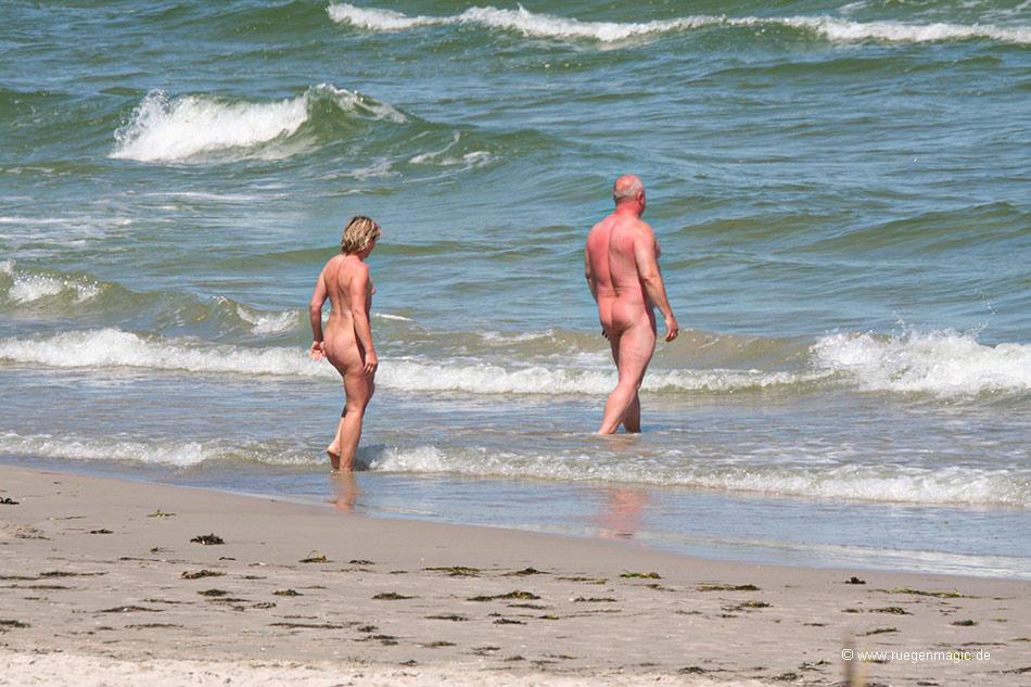 Im nackt see schwimmen Soll ich