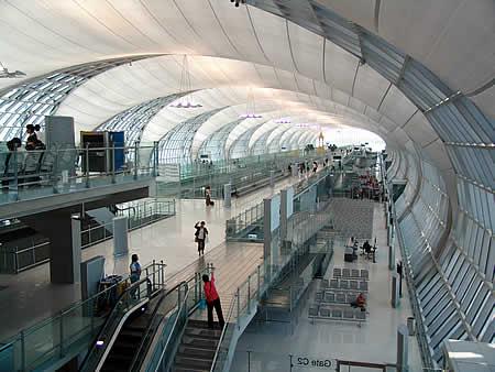Auf dem größten Flughafen der Welt - Bangkok/Thailand