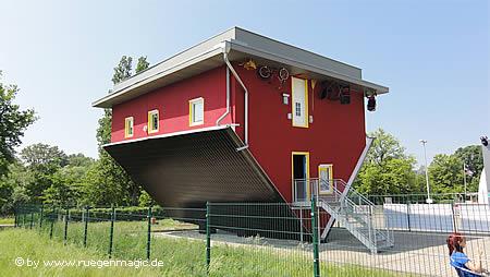 Haus Auf Der Insel R 252 Gen Steht Auf Dem Kopf R 252 Gen Blog