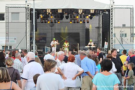 Showbühne bei den Rügener Hafentagen in Sassnitz
