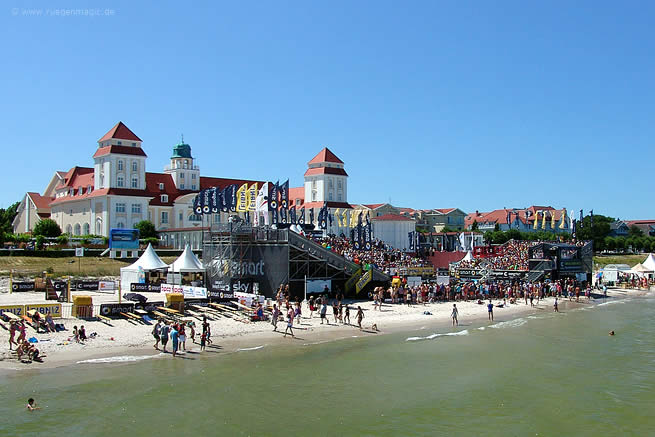 Center Court der Smart Beach Tour Supercup 2013 im Ostseebad Binz