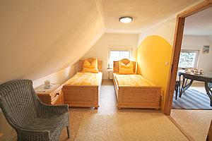 unsere 45qm ferienwohnung f r bis 3 personen in haide auf der insel ummanz. Black Bedroom Furniture Sets. Home Design Ideas